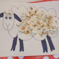Sheep with popcorn DSCN5731